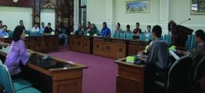 MUSYAWARAH: KONI Kota Mataram saat musyawarah di ruang Kenari Kantor Walikota Mataram, Sabtu (02/3).