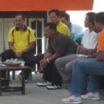 Sejumlah tenaga Honda K1 mengadu ke Bupati Loteng, HM Suhaili FT. (Foto: Akhyar Rosidi/Lomboktoday.co.id)