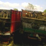 Dua unit truk beserta barang bukti (BB) berupa sapi diamankan di Mapolres Lotim. (Foto: Syamsurrijal/Lomboktoday.co.id)