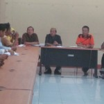 HEARING: Suasana hearing sejumlah PKL di kantor bupati Loteng, Jumat (17/10). (Foto: Akhyar Rosidi/Lomboktoday.co.id)