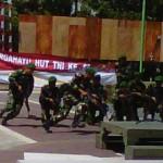 GLADI: Suasana Anggota TNI saat gladi bersih di Lapangan Tugu Selong. (Foto: Dimyati/Lomboktoday.co.id)