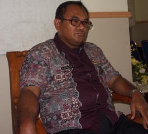 Kepala Dinas Pekerjaan Umum (PU) dan ESDM Loteng, HL Rasyidi. (Foto: Akhyar Rosidi/Lomboktoday.co.id)