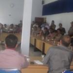 DEMO: Puluhan tenaga medis Puskesmas se-Loteng saat menggelar aksi demonstrasi di kantor DPRD Loteng untuk menuntut pencairan dana kapitasi dari Pemkab setempat. (Foto: Akhyar Rosidi/Lomboktoday.co.id)